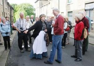 Mrs Dooley in Amelia St 09_opt